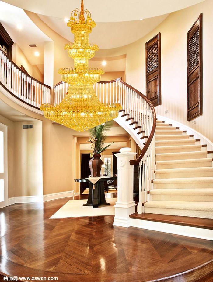 复式楼客厅吊灯应该选多大的灯才合适