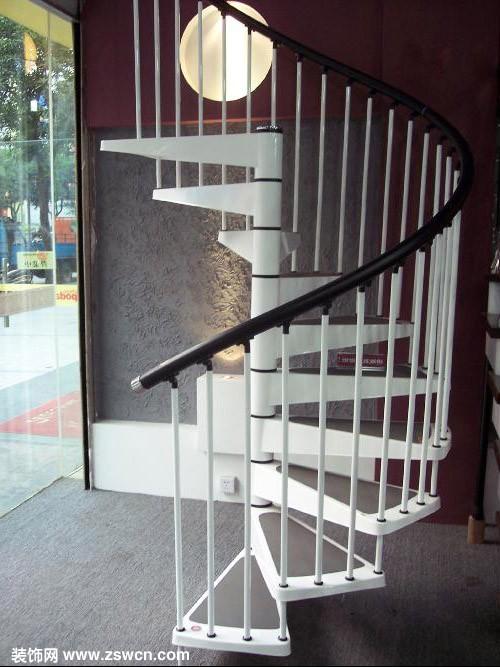 旋转楼梯尺寸多少最好?有图片可以参考么?