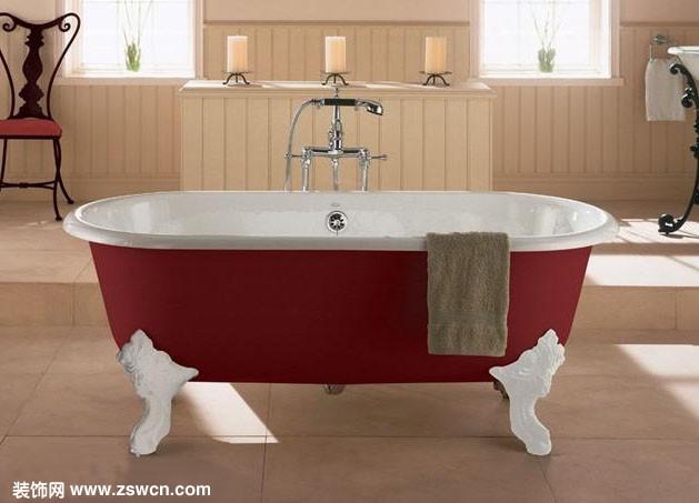 圆形浴缸尺寸 装修网小编提醒:普通家庭浴缸长度最少不得小于1500mm 。一般浴缸尺寸都是外形尺寸,一般浴缸的长度从1.2米到1.7米不等,常规尺寸就是1600*750 或1700*750,深度在50~70厘米之间,但实际使用时尺寸可能要减少10-20厘米。最小尺寸的浴缸的长度是120厘米的,主要是小孩子用的。