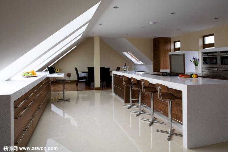 斜顶阁楼装修效果图欣赏