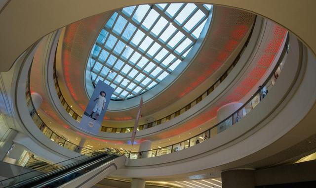 欧普与大师有约:用光诠释商业综合体中庭的空间表情