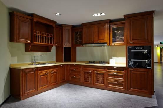 厨柜——能用上爱格板,烤漆面和全阻尼五金的厨柜