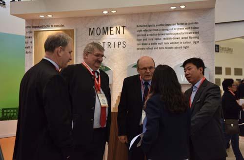德合家率众多欧洲原装进口地板参加2016上海地材展3
