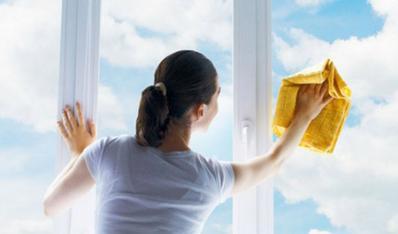擦玻璃的小窍门让您轻轻松松擦玻璃